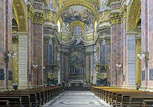 Interno della Chiesa di San Carlo al Corso a Roma con gli stucchi del Cortona