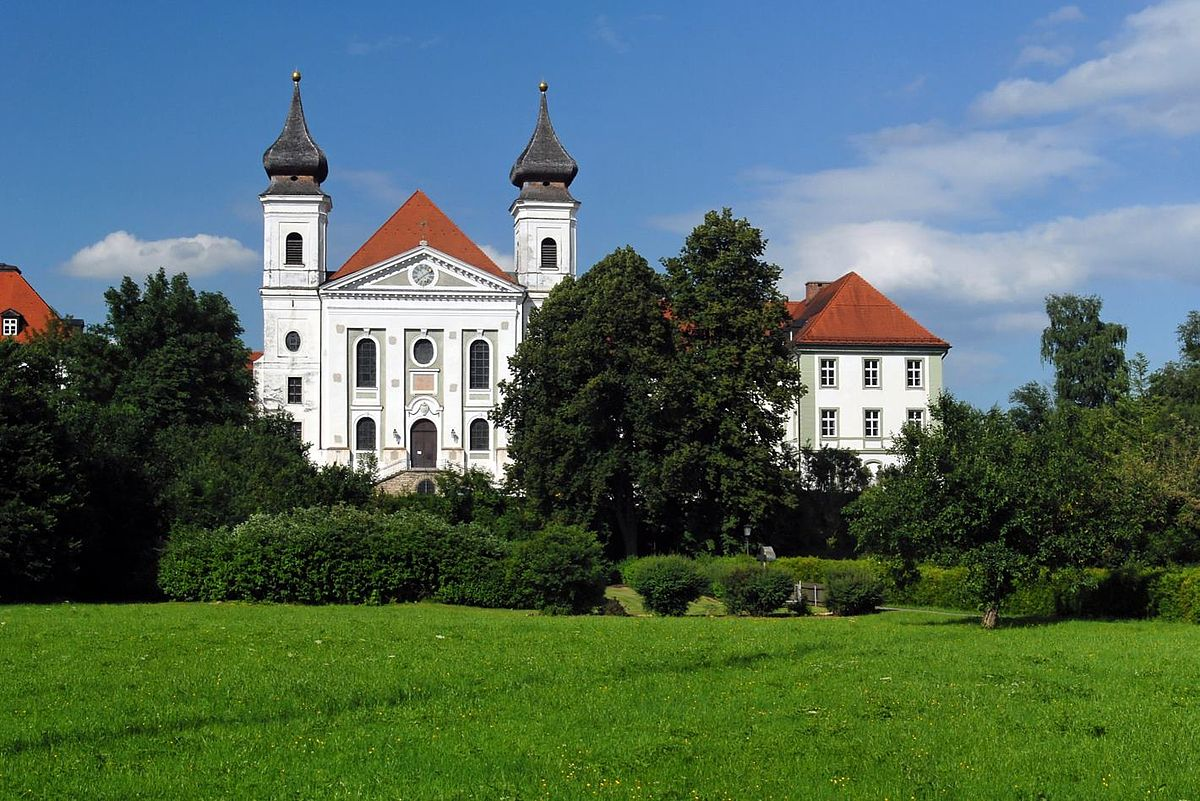 Schlehdorf Stiftskirche01.jpg