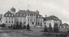 Schloss Brynneck Vorderansicht.jpg