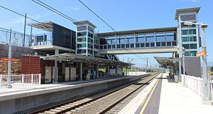 South Coast Line - Image: Shellharbour Junction railway station platforms and concourse