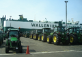 Shipment of tractors on a ship of the Scandinavian shipping company Wallenius Wilhelmsen - Bremerhaven 2011-05-06.png