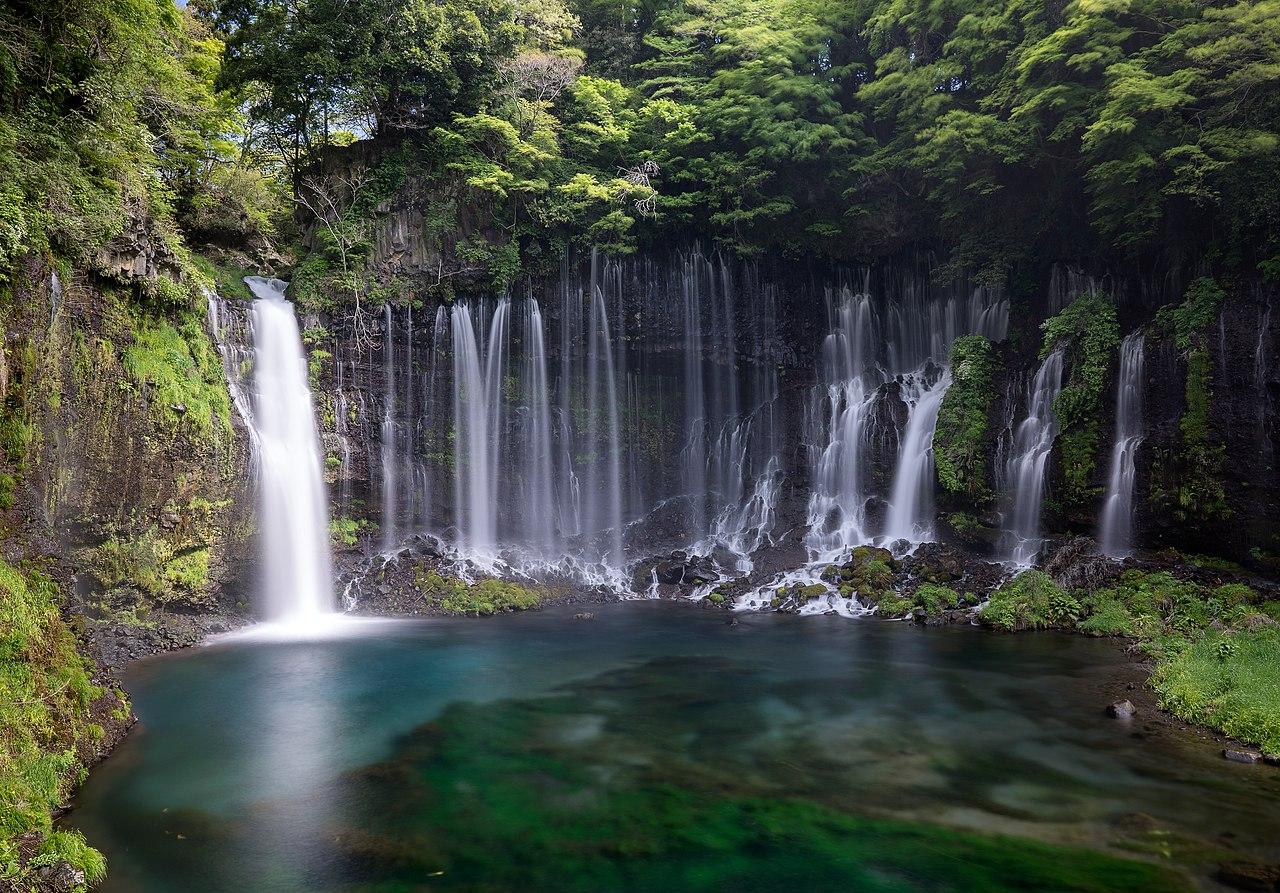 Shiraito Falls (34257542610).jpg