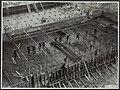 Sluisbouw te Tiel voor verbinding Amsterdam-Rijn. De lengte van de sluis wordt 3, Bestanddeelnr 123-1097.jpg