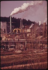 Smokestacks of the Crown-Zellerbach Papermill in Camas, on the Columbia River 04-1973 (4271663303).jpg