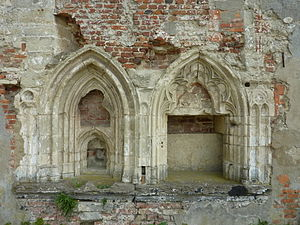 St. Bernard's Abbey, Hemiksem - Two gothic niches. The only surviving parts of the Abbey church