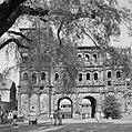 Stadskant van de Porta Nigra, Bestanddeelnr 254-4484.jpg