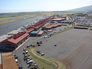 Kahului Airport - Kahului Airport (2009). View facing roughly SSW from north of the main passenger terminal.