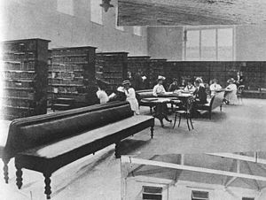 Brisbane School of Arts - Interior view of the library at the Brisbane School of Arts, 1908