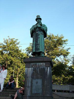 Alexander Kielland - Statue of Alexander Kielland in Stavanger