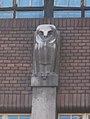 Stone owl by Ödön Moiret, Vas street, 2017 Palotanegyed.jpg