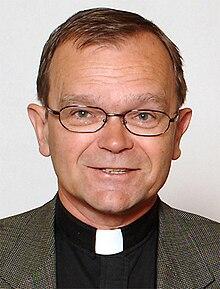Clerical collar - Wikipedia