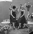 TV Rendez vous Mies Bouwman en Isabelle Aubret, Bestanddeelnr 913-6858.jpg