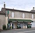 Tabac-presse-carburant, 49 route de Montpon, Saint-Méard-de-Gurçon, Dordogne.jpg