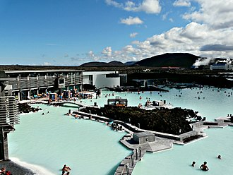 The Amazing Race 6 - Teams finished the first leg in Iceland at the famous Blue Lagoon.