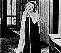 The Extra Girl (1923) - 18.jpg