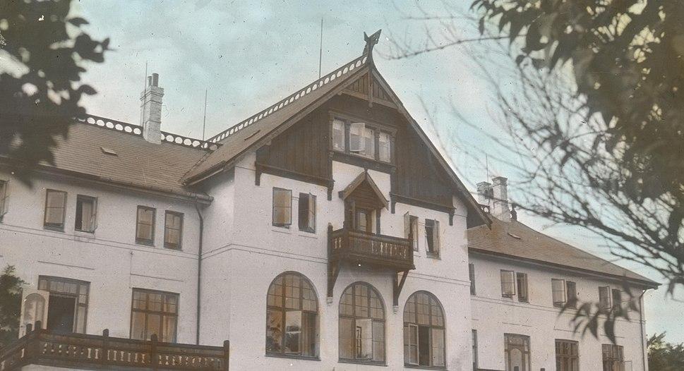 The Grundtvig Folk High School (4815245143)