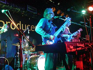 The Trevor Horn Band - The original line-up (L-R; Creme (out-of-shot), Soan (drums), Horn, Lipson and Braide) performing at the Camden Barfly