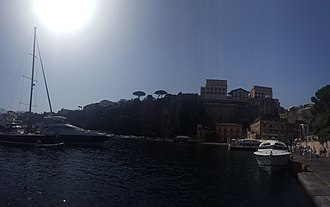 Morning - Image: The bay of Sorrento during the morning