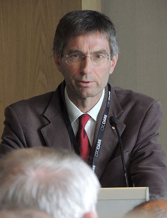 Medical Association for Prevention of War - MAPW member Tilman Ruff speaks in Adelaide (2015)
