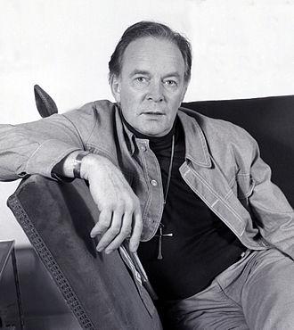 Tony Britton - portrait taken by Allan Warren