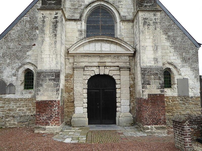 Porche de l'Église Saint-Pierre-à-Antioche de Tourmignies Nord.- France