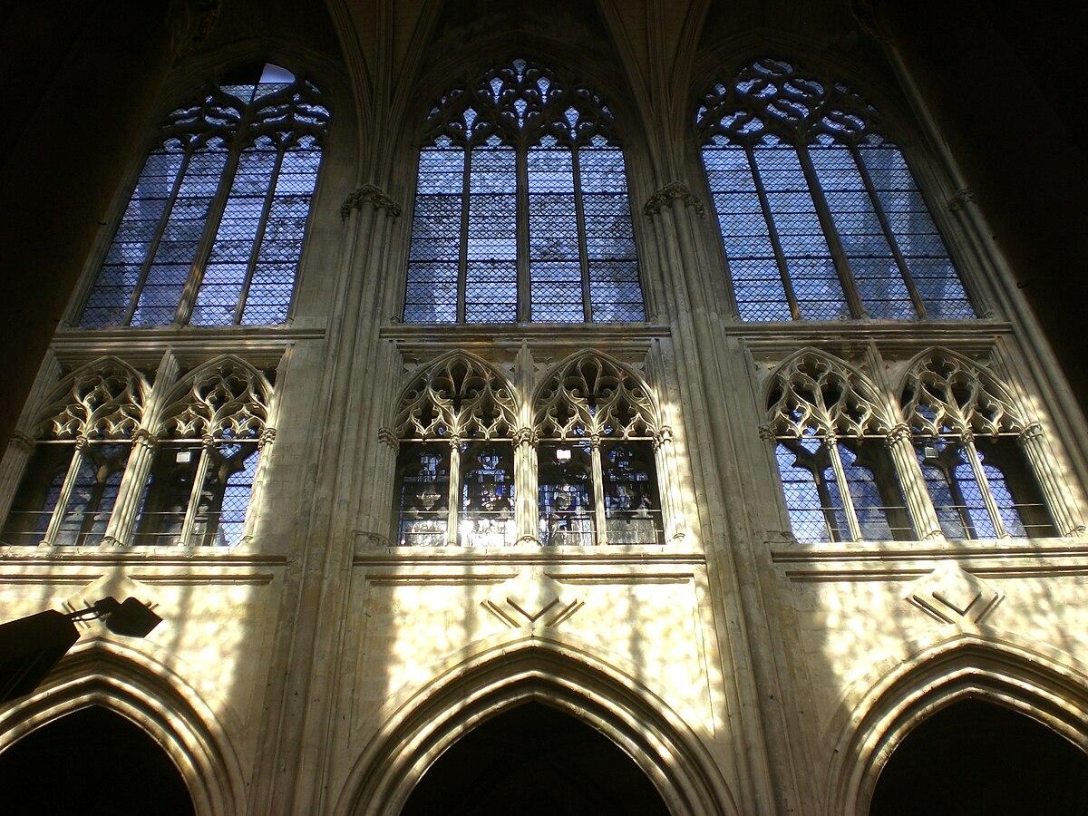 Triforio wikipedia - Finestre circolari delle chiese gotiche ...