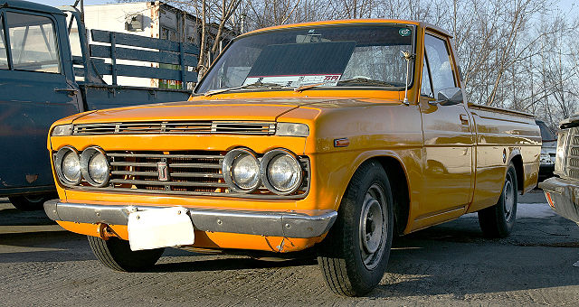 Hilux (N10) - Toyota