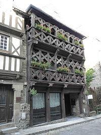 Tréguier (22) Rue Colvestre N°12-1.JPG