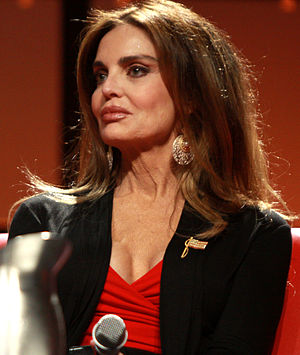 Tracy Scoggins - Scoggins at the 2013 Phoenix Comicon in Phoenix, Arizona.