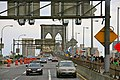 Traffic on the Brooklyn Bridge (5896405392).jpg