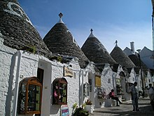 Trullialberobello.jpg