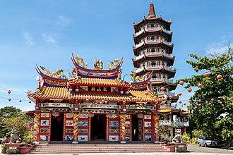 Tuaran District - Image: Tuaran Sabah Ling San Pagoda 06