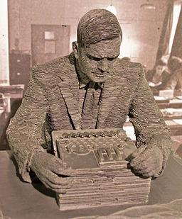Turing-statue-Bletchley 10