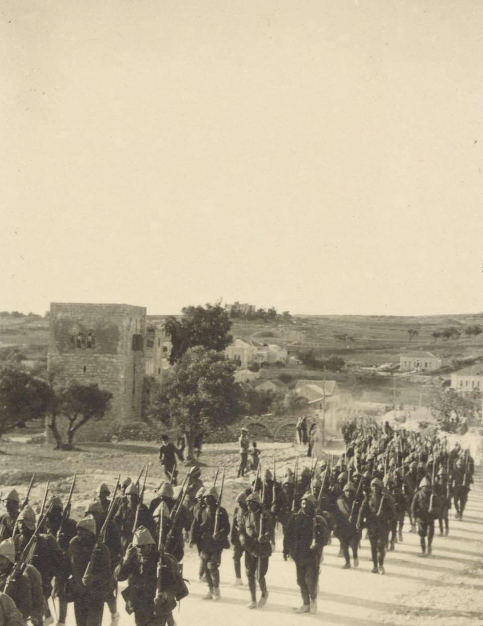 Turkish troops en route to the Suez Canal, 1914