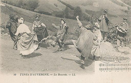 Types d'Auvergne - La Bourrée (carte     postale)