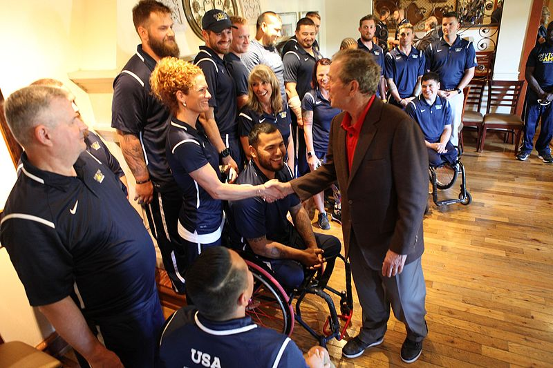 File:U.S. Marines & Sailors meet George W. Bush at the 2016 Invictus Games 160507-M-WH399-023.jpg