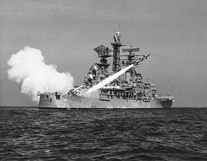 USS Little Rock (CL-92) - Image: USS Little Rock (CLG 4) fires a RIM 8 Talos missile on 4 May 1961 (NH 98953)