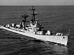 USS Morton (DD-948) underway in the Pacific Ocean 1967.jpg