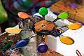 Urządzenie podgrzewające kolorowy wosk do malowania pisanek.jpg