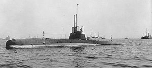 The USS C-3 underway, 1909.