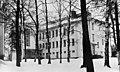 V. 1937 valmistunut Malmin pohjoinen kansakoulu ja jatkokoulu kuvattuna talvella - N192044 (hkm.HKMS000005-000017ej).jpg