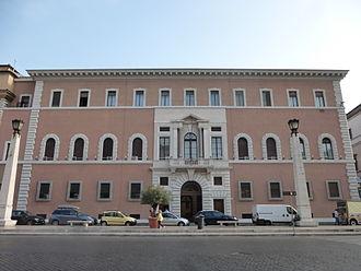 Palazzo dei Convertendi - The building's main facade along Via della Conciliazione