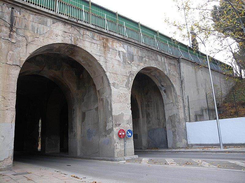 Viaducto de los 15 ojos - panoramio (5).jpg