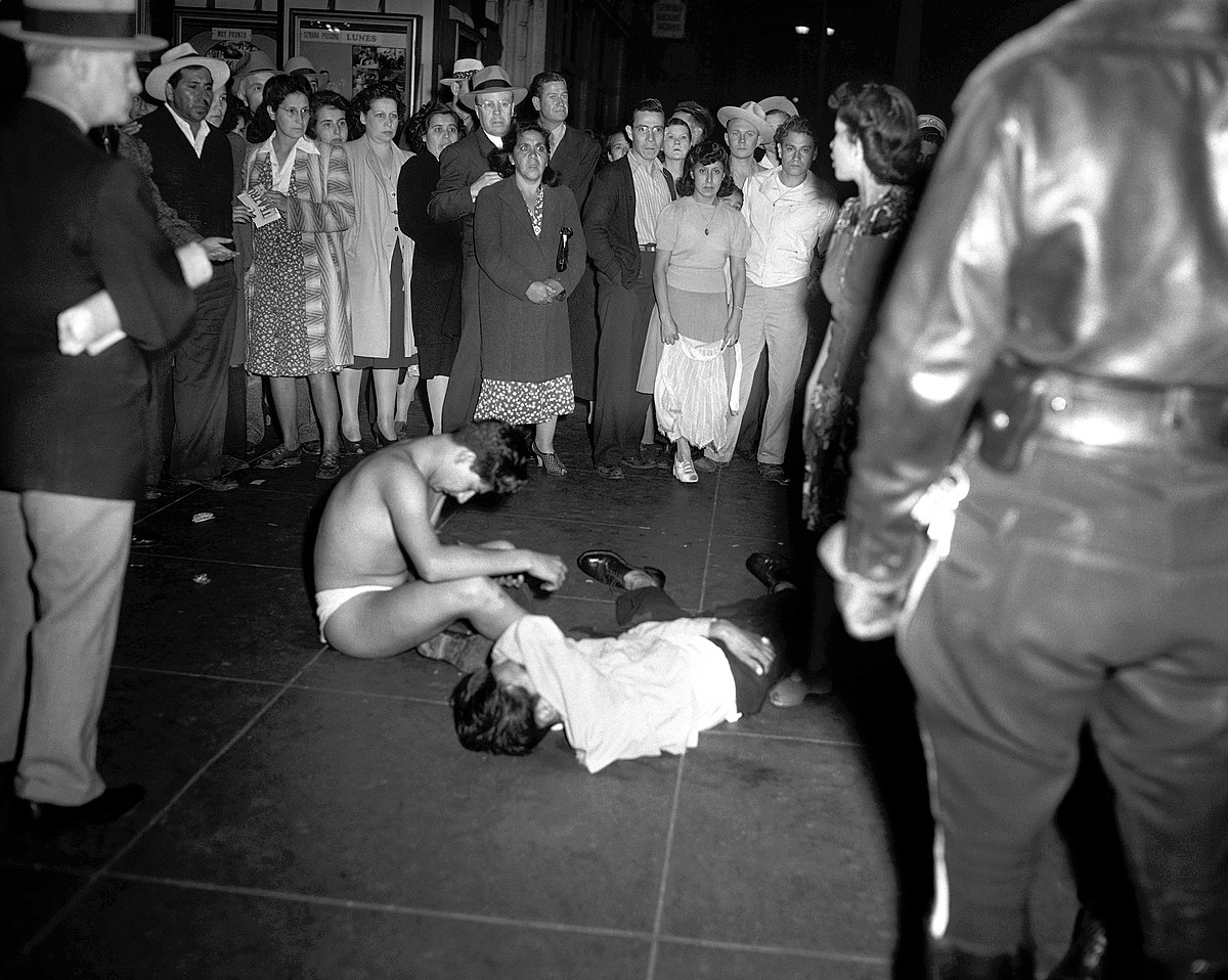 Zoot Suit riots - Wikipedia, the free encyclopedia pachucos