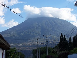Volcán de Agua - Volcan de Agua as seen from Ciudad Vieja in 2007.