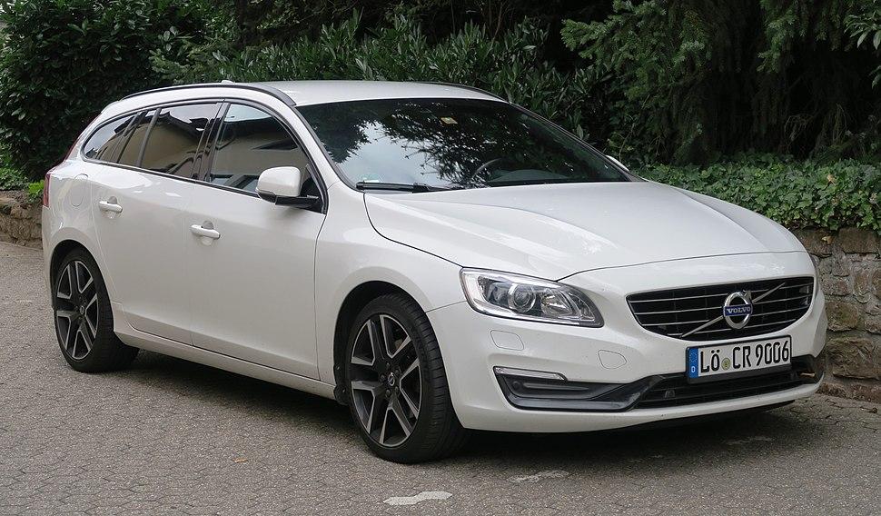 Volvo V60 - Howling Pixel