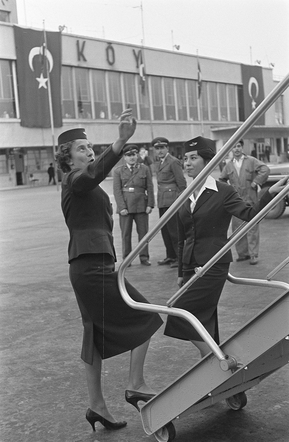Vraagteken vlucht Lockheed Electra naar Istanbul, Bestanddeelnr 910-7819