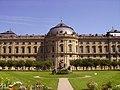 Würzburg Residenz Seitenansicht 2.JPG