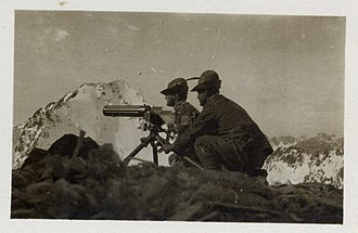 Alpini and Mountain Artillery formations in World War I - Alpini machine gunners operating a Fiat–Revelli Modello 1914.