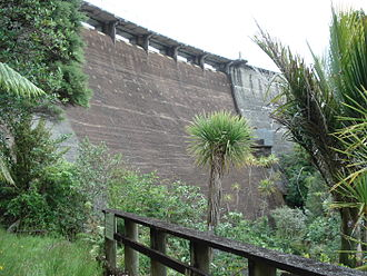 Waitakere Reservoir - Waitakere Dam from below